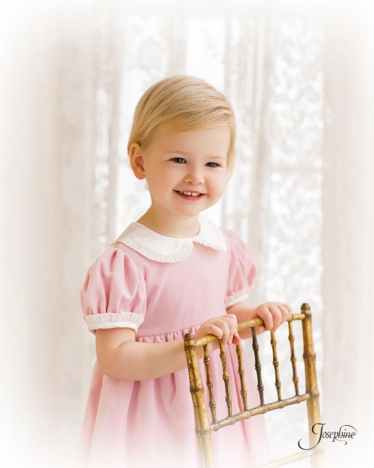 -Saint-Louis-Child-Girl-Portrait-Studio-Photographer--1